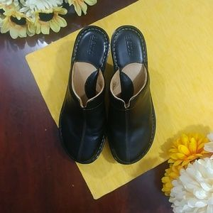 Born Black Leather Mule Clog Shoes Heel